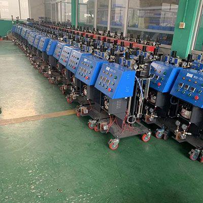 广泛使用聚氨酯高压喷涂机